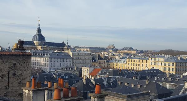 Vue sur la cathédrale Saint Louis de Versailles depuis un logement de Saint Médéric