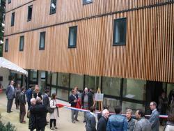 Versailles habitat inaugure 2 r sidences universitaires for Location chambre etudiant versailles