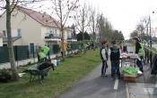 Le Mesnil Saint Denis : le point de rencontre du chantier de plantation participatif