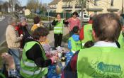 Le Mesnil St Denis: Après les plantations, le goûter